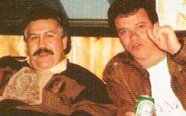 Jhon Jairo Velásquez junto a Pablo Escobar, era su mano derecho y principal sicario.