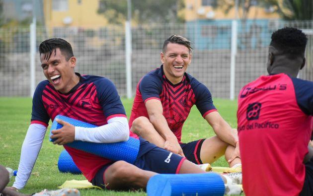 Un equipo completamente nuevo en todas sus líneas será lo que presentará Delfín en su debut ante Aucas.