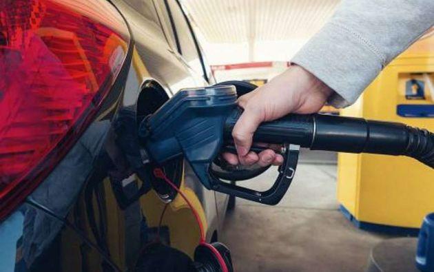 """""""Cerca del 75% de los subsidios benefician a las personas que más tienen, sobre todo, en gasolina"""", dijo Martínez."""