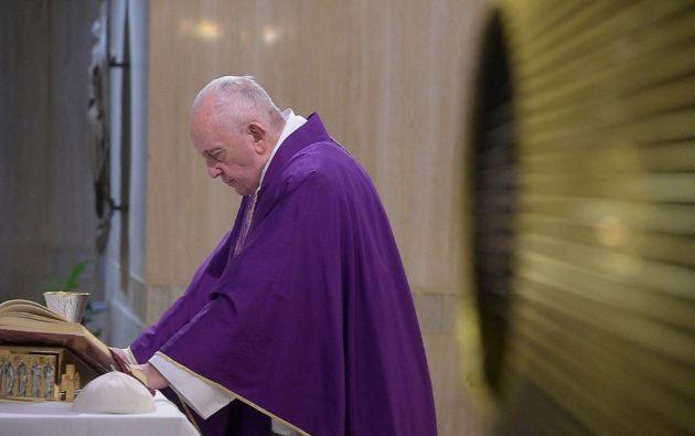 Papa Francisco durante la misa matutina en la capilla de Santa Marta. Foto: Reuters.