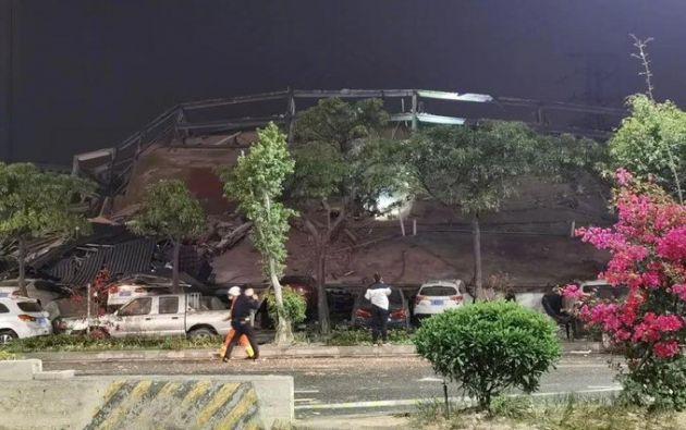 Hotel que acogía a personas en cuarentena por coronavirus se derrumba en China. Foto: @CGTNOfficial