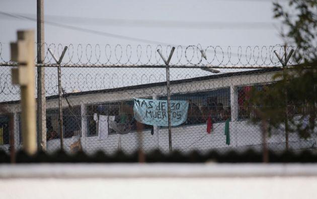 La prisión de La Modelo después de un motín de prisioneros que exigían medidas de salud del gobierno contra la propagación de la enfermedad por coronavirus (COVID-19) en Bogotá. Foto: Reuters.