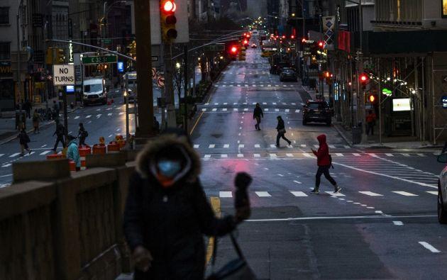 Los hospitales de Nueva York comienzan a estar desbordados y con importantes carencias de equipamiento. Foto: AFP