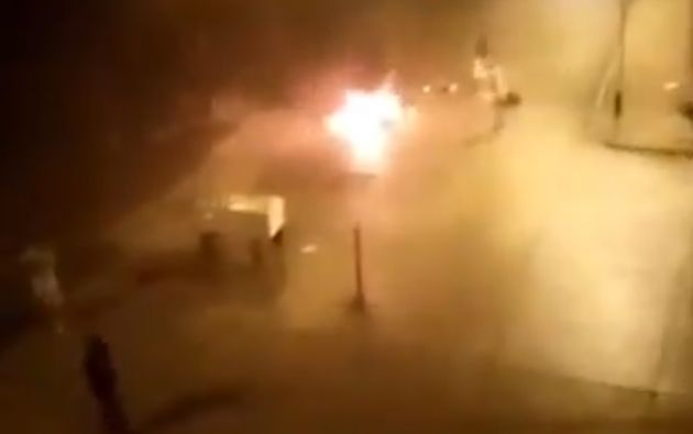Los habitantes exigían que las autoridades procedieran con el levantamiento del cuerpo.