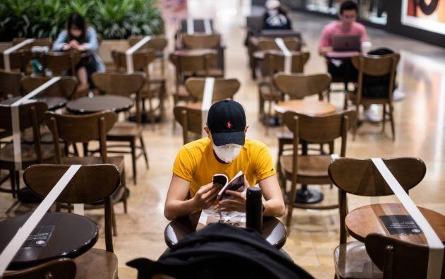 La única medida de protección ante el COVID-19 es mantener el distanciamiento social. Foto: AFP.