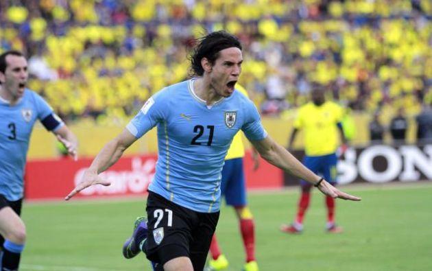 Edinson Cavani milita en el PSG de Francia, pero el interés por sumarse al club argentino crece durante estos días.