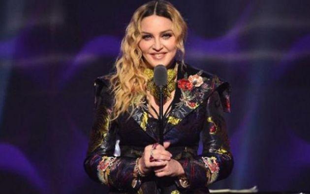 """""""Envío mucha gratitud y fuerza al personal de los servicios de emergencia"""", dijo la cantante. Foto: AFP"""
