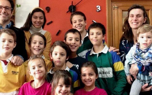 La familia Cebrián. El matrimonio español con 11 hijos, todos confinados con coronavirus en su departamento de Valladolid.