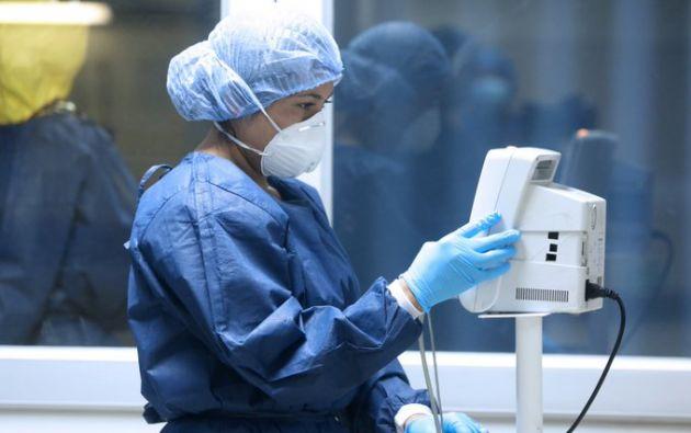 Las enfermeras del Guayas exigen insumos para enfrentar la emergencia, mientras que Ministerio de Salud asegura que hay equipos suficientes.