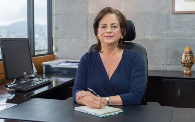 La ministra de Educación, Monserratte Creamer, dispuso que hasta segundo aviso no se solicite la compra de útiles escolares ni uniformes.