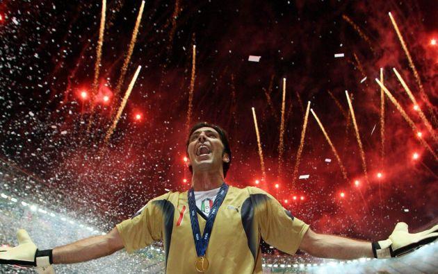 El guardameta italiano alcanzó la gloria máxima proclamándose campeón del mundo en Alemania 2006.