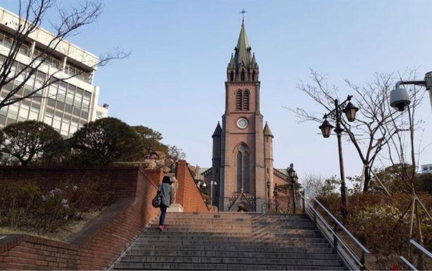 La catedral de la Inmaculada Concepción en Myeongdong, Seúl. Foto: EFE.