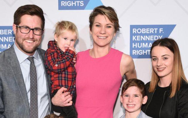 La familia McKean Kennedy estaba compuesta por los tres pequeños: Gabriella, Toby y Gideon (+), todos descendencia de David y Meave.