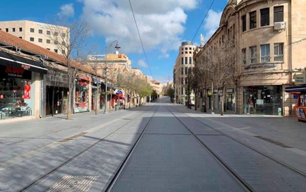Las calles de Jerusalén, totalmente vacías por el toque de queda de Israel para contener el coronavirus. Foto: Reuters.