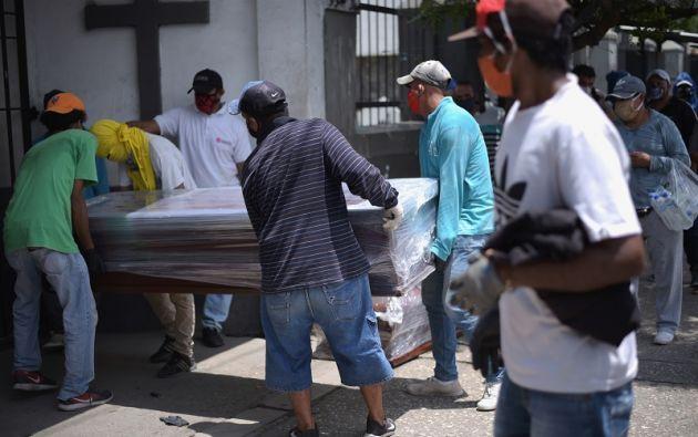"""""""Guayaquil es el centro de una pandemia que está devastando al mundo entero"""", dice Viteri. Foto: Reuters"""