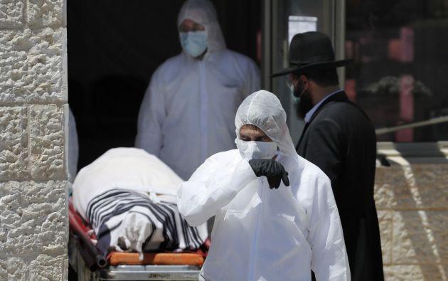 Se contabilizaron más de 2.001.200 casos de contagio en 193 países o territorios. Foto: AFP