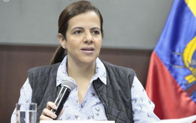 La ministra de Gobierno, María Paula Romo, reconoció que se está revisando la fecha de retorno a clases para el régimen Costa. En el caso de la Sierra y Amazonía, estas culminarán por modalidad virtual, independientemente el color de semáforo de la provincia.