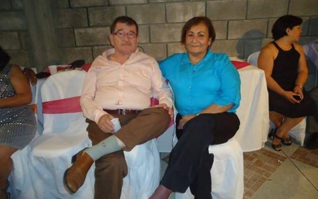 Alfredo Arroyave (+) y Elízabeth Hernández, pareja guayaquileña. El señor falleció por coronavirus en días pasados.