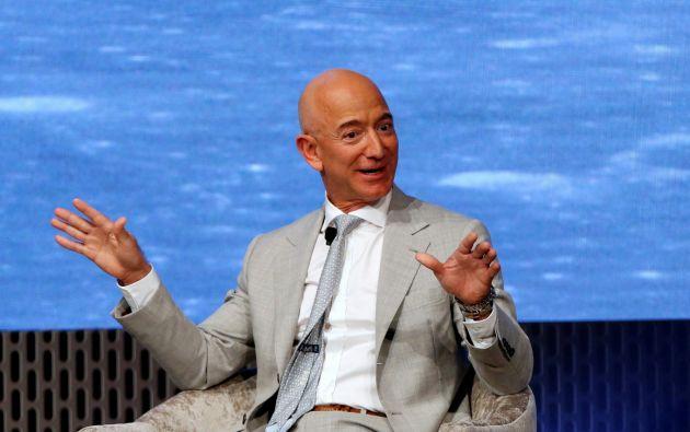 Jeff Bezos es el fundador de la página web de comercio electrónico Amazon, lo que le ha permitido por años ser el hombre más rico del mundo. Durante la emergencia, sus ganancias aumentaron.
