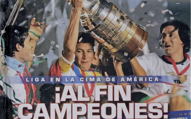 Portada de la revista Estadio de 2008, luego de que Liga Deportiva Universitaria de Quito se consagre, mediante los paneles, campeones de la Copa Libertadores. La hazaña se la conquistó en el mítico Estadio Maracaná de Río de Janeiro, Brasil.