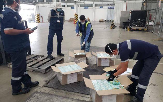 El cargamento de hidroxicloroquina complementa los 5000 tratamientos de azitromicina disponibles para el tratamiento de coronavirus en hospitales y clínicas privadas de Guayaquil.