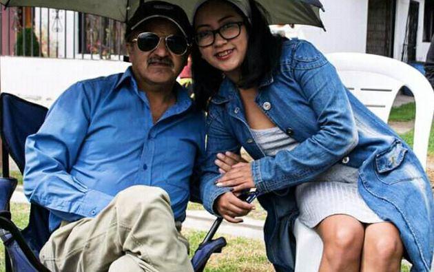 La poeta Pamela Cuenca y su padre Miguel Ángel Cuenca | Foto: Cortesía