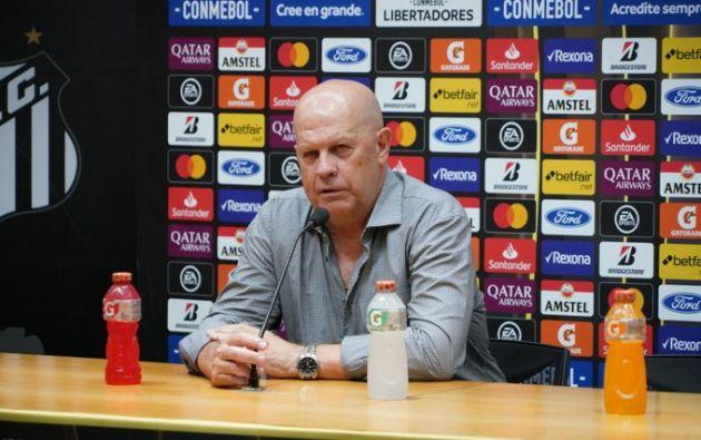 Carlos Ischia, director técnico de Delfín, regresó a su país Argentina, en donde reside su familia.