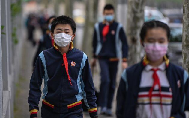 Según el ministerio de Educación todos los estudiantes del país tienen que tomarse la temperatura. Foto: AFP