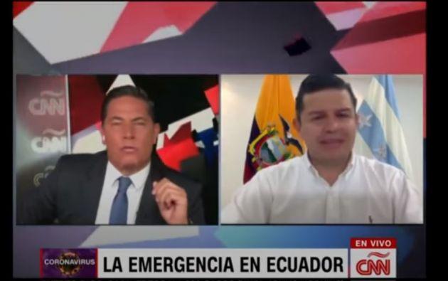"""""""Aquí está el espacio. Aquí espero al presidente"""", dijo el periodistas Fernando del Rincón."""