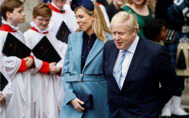 Boris Johnson y Carrie Symonds. Foto: Reuters.