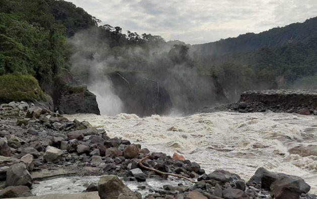 El 7 de abril, se produjo la rotura de las mencionadas tuberías así como de una parte del oleoducto el OCP tras el hundimiento de tierra en el sector de San Rafael, lo que ocasionó derrame de crudo en los ríos Coca y Napo, así como, la interrupción de la producción petrolera.