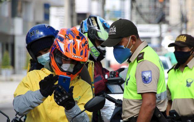 """En Ecuador se mantienen los controles para contener el COVID-19 y se ultiman los detalles para poner en funcionamiento el sistema de """"semáforo"""" epidemiológico, ideado como estrategia para el levantamiento paulatino y regulado de las restricciones de confinamiento, a fin de reanudar algunas actividades laborales."""