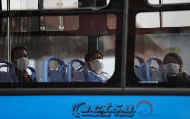 Un 43,5% de los fallecimientos confirmados por covid-19 está en Guayas. Foto: EFE