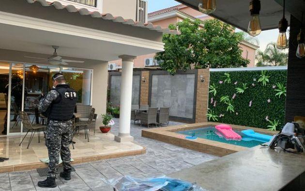 Fiscalía y Policía realizaron varios allanamientos en Quito y Guayaquil para recabar indicios.