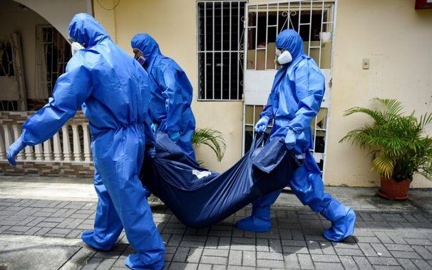 """""""Aprovecharse de la emergencia para robar fondos públicos es de miserables"""", dijo la fiscal Diana Salazar, sobre el sobreprecio de las fundas. Foto: EFE"""