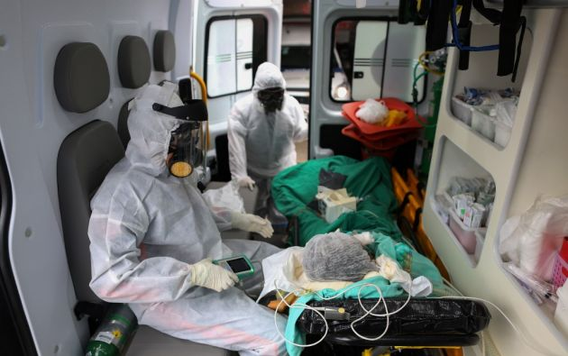 La cantidad de muertos en Estados Unidos, que registró su primer deceso vinculado al virus a principios de febrero, asciende a 71.078. Foto: AFP