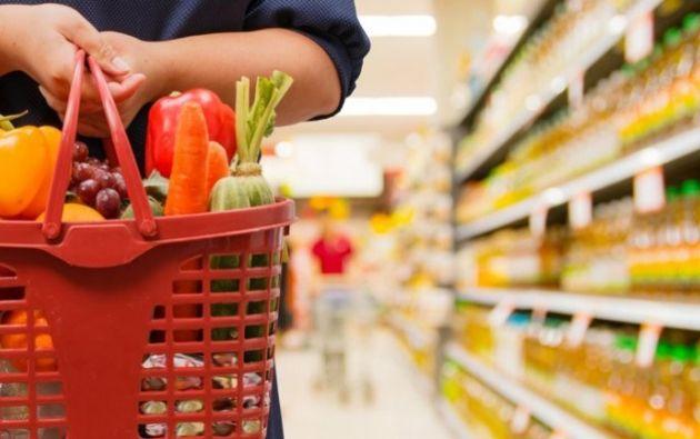 La canasta básica familiar contiene 75 productos, según los cálculos del Instituto Nacional de Estadísticas y Censos. Para el mes de abril, su valor promedio a nivel nacional asciende a los $728.