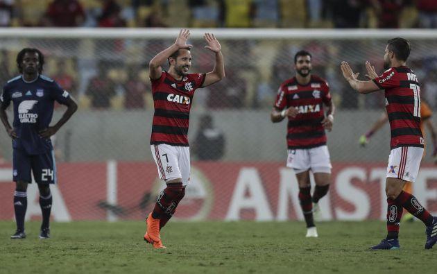 Flamengo es el actual campeón del fútbol brasileño y de la Copa Libertadores de América. Su país es el epicentro de la pandemia por coronavirus en la región y el entorno del club no se libró del virus.