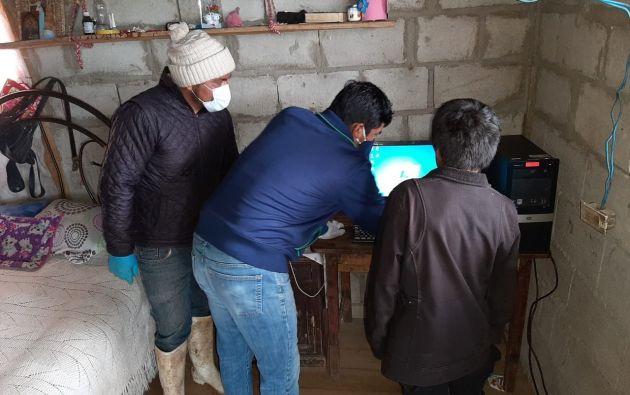 """La iniciativa cuencana """"Presta tu compu"""" busca ayudar a los niños y jóvenes de escasos recursos de las parroquias rurales de la capital azuaya con computadoras donadas. Buscan que las familias que tienen una computadora sin uso, la puedan regalar para facilitar la educación virtual de los niños."""