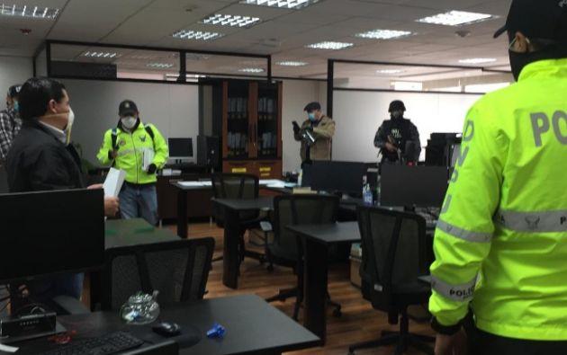 En este operativo, siete personas fueron detenidas, entre ellas dos funcionarios públicos.