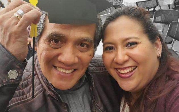 Jéssica junto a su padre, quien falleció por coronavirus el 31 de marzo en Guayaquil.