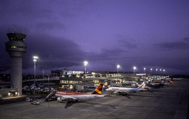 El aeropuerto internacional Mariscal Sucre, de Quito, se ubica entre las 13 terminales aéreas del mundo con la máxima calidad de servicios, según la consultora Skytrax.