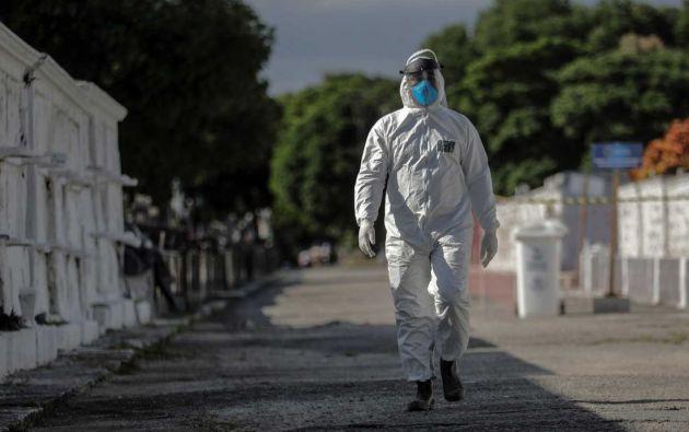 La pandemia de la COVID-19 y el imperativo de proteger a los vivos convirtió los entierros en ceremonias de mínimos, con apenas asistentes. Pero estas despedidas frustradas pueden y deben compensarse.
