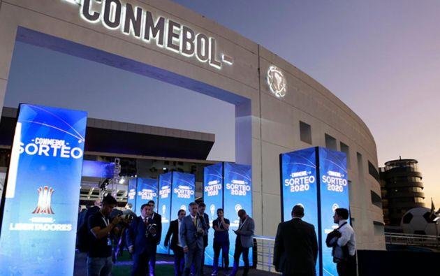 El incumplimiento de cualquiera de los deberes y obligaciones enunciados precedentemente constituye infracción disciplinaria, encontrándose facultados los órganos judiciales de la CONMEBOL para imponer las sanciones que de conformidad con el Código Disciplinario de la CONMEBOL pudieran corresponder.