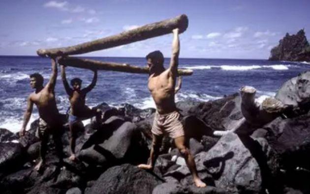 Luego del rescate, los adolescentes de Tonga recrearon el naufragio y su supervivencia en la isla para un documental de la televisión australiana