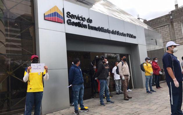 Trabajadores de Inmobiliar protestan luego de que el Gobierno anunció la eliminación de entidad.