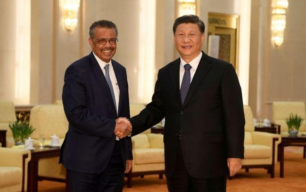 El director general de la OMS, Tedros Adhanom (i) junto al presidente de la República Popular de China, Xi Jinping . Foto: AFP
