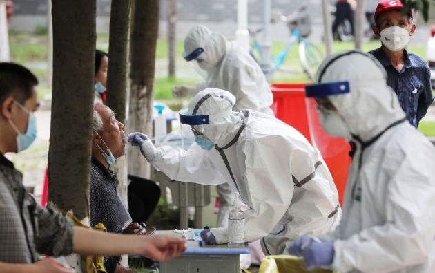 """Según el experto, el virus """"no era típico de una infección zoonótica [animal a humana] normal"""". Foto: AFP"""
