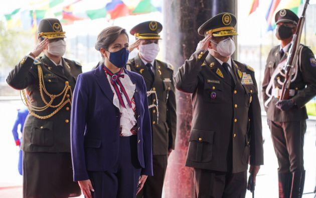 """La ministra de Gobierno, María Paula Romo, calculó que unas 4.000 personas se movilizaron hoy en todo el país. Insistió en que este tipo de manifestaciones ponen en riesgo """"los esfuerzos de los municipios"""" para frenar el contagio del coronavirus."""
