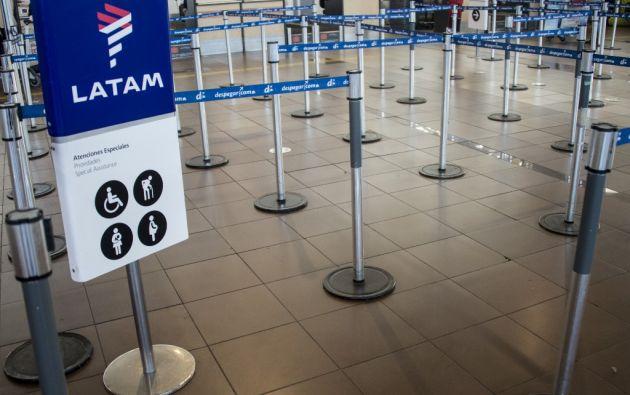 Antes de la pandemia, LATAM volaba a 145 destinos en 26 países y efectuaba alrededor de 1.400 vuelos diarios. Foto: AFP